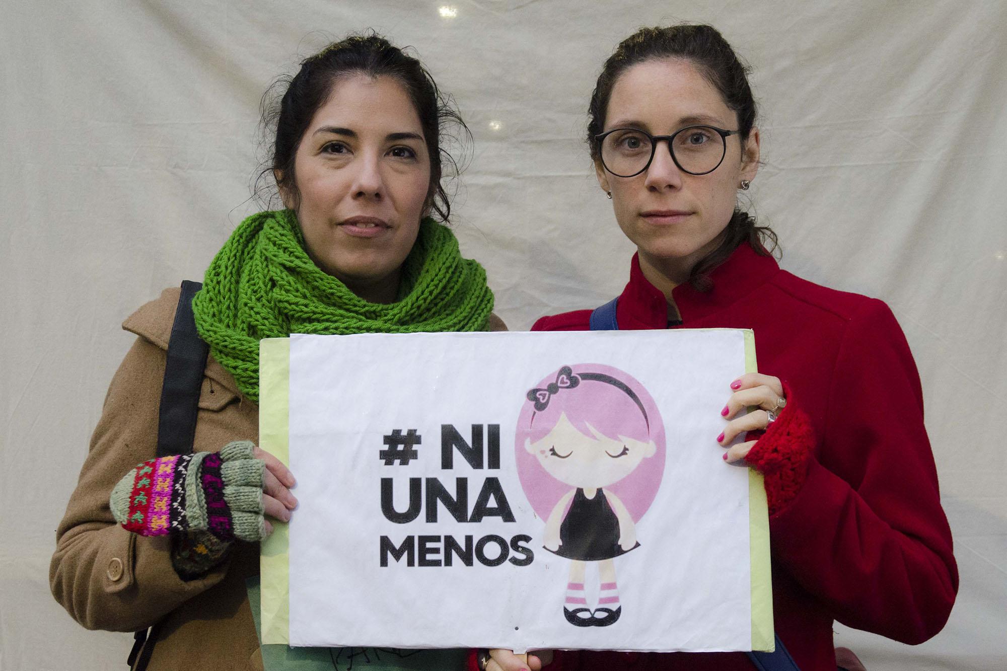Tucumán, Argentina Junio 03/2016 Intervención fotográfica de INFOTO Escuela en apoyo a la marcha por los derechos de la mujer NI UNA MENOS llevada a cabo en Plaza Independencia.