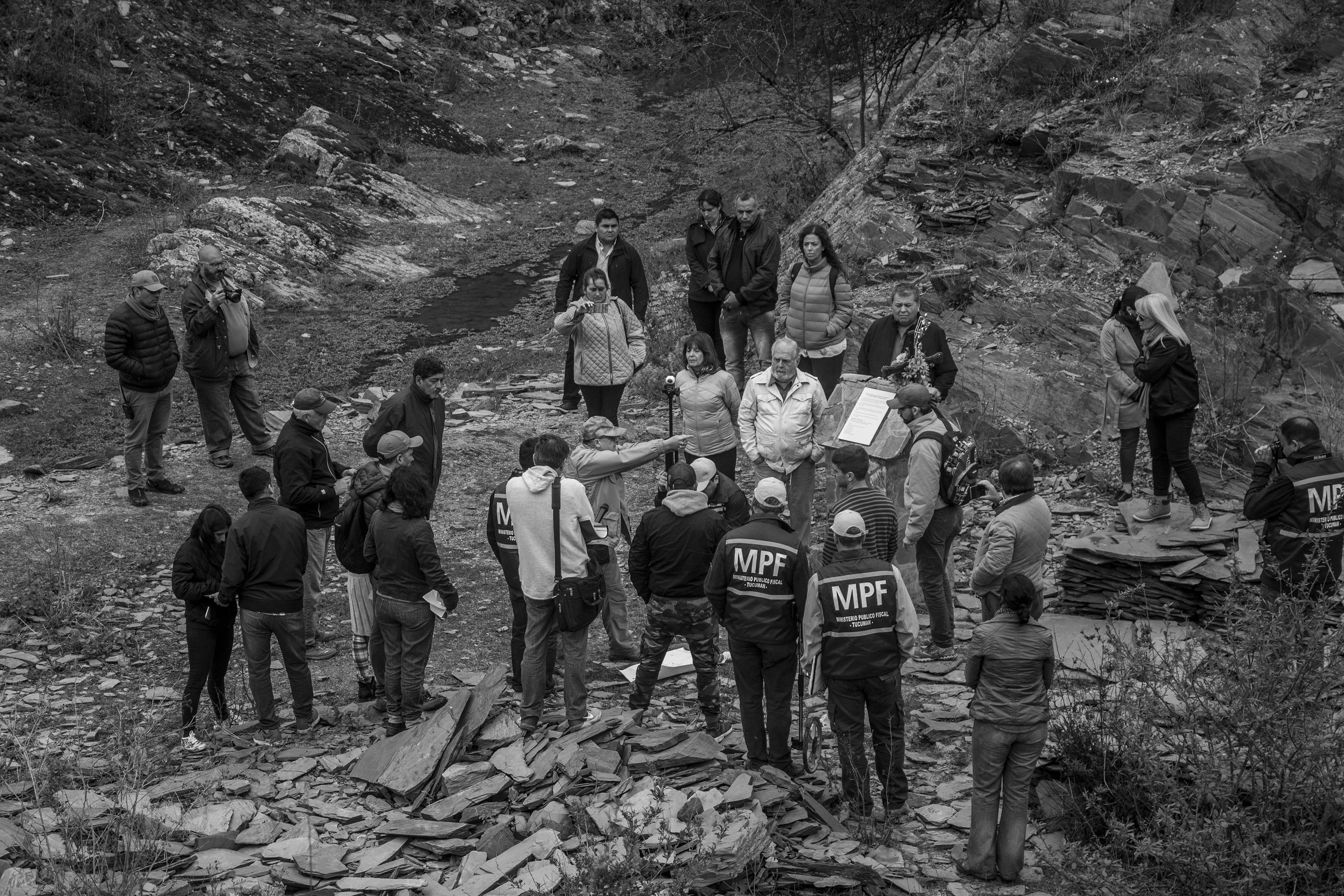 El Chorro, Tucumán, Argentina. Octubre 02/2018. Reconstrucción del asesinato a Javier Chocobar. El imputado Luis Humberto Gómez (centro-de gorra) da su versión de los hechos.
