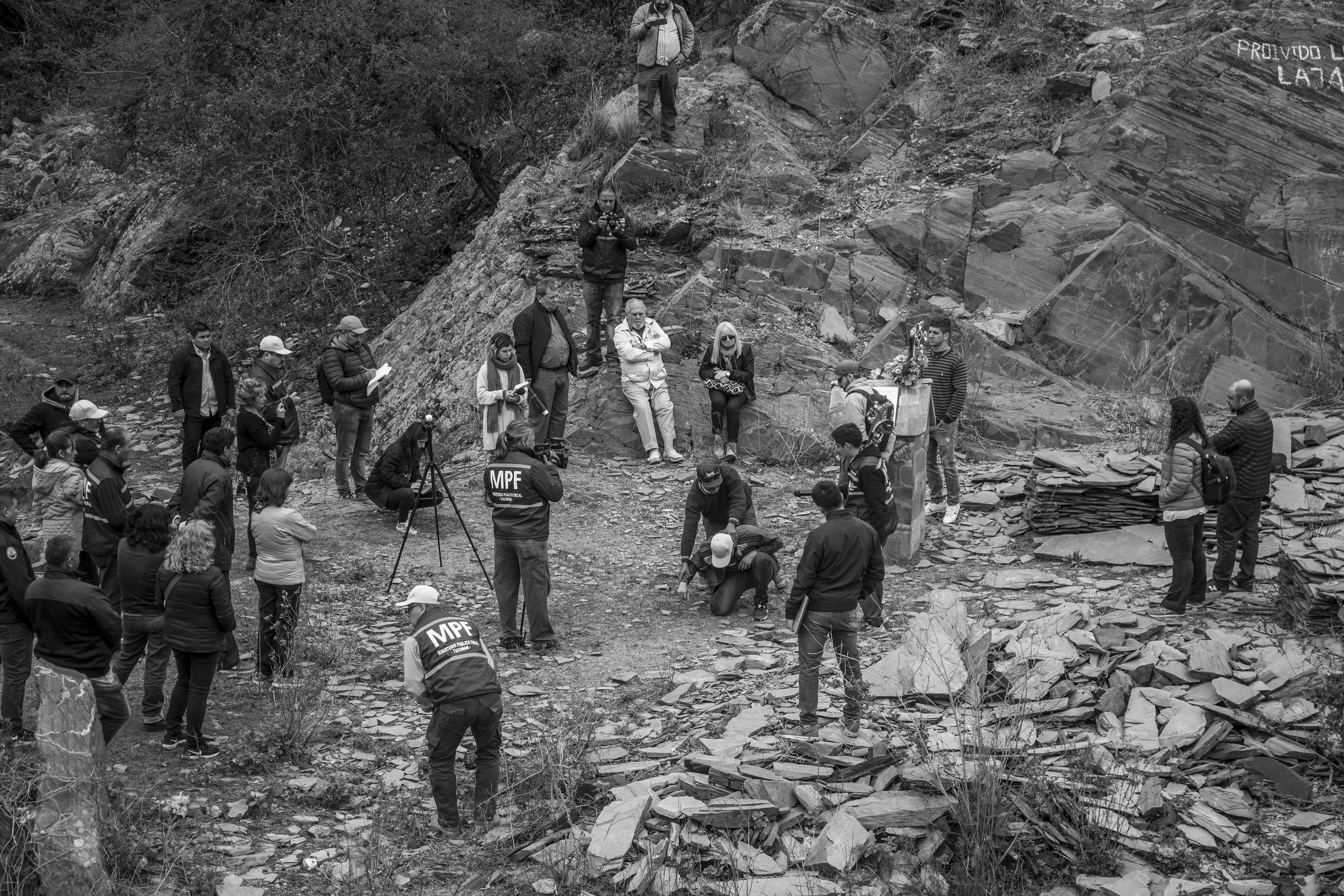 El Chorro, Tucumán, Argentina. Octubre 02/2018. Reconstrucción del asesinato a Javier Chocobar. El testigo Delfín Cata (centro-gorra oscura) da su versión de los hechos.